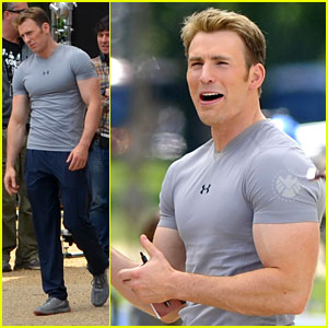 chris-evans-flaunts-huge-biceps-on-captain-america-set